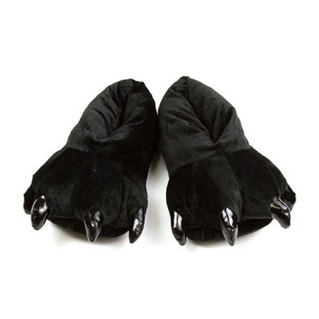 Hose slippers with claws